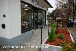 Accès facile pour les personnes à mobilité réduite